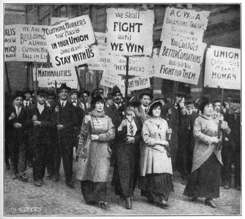 Corteo di lavoratori dell'industria dell'abbigliamento, Chicago 1915